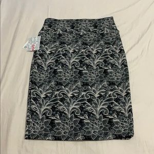 Black And White Lularoe Cassie